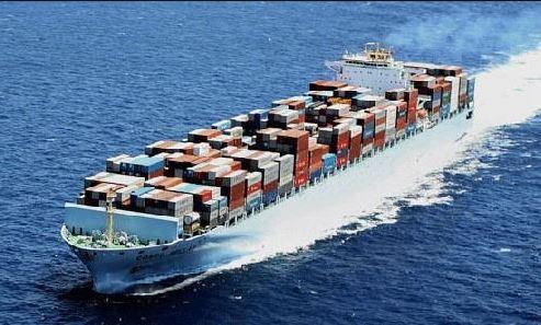 Lod s kontejnery kakaa