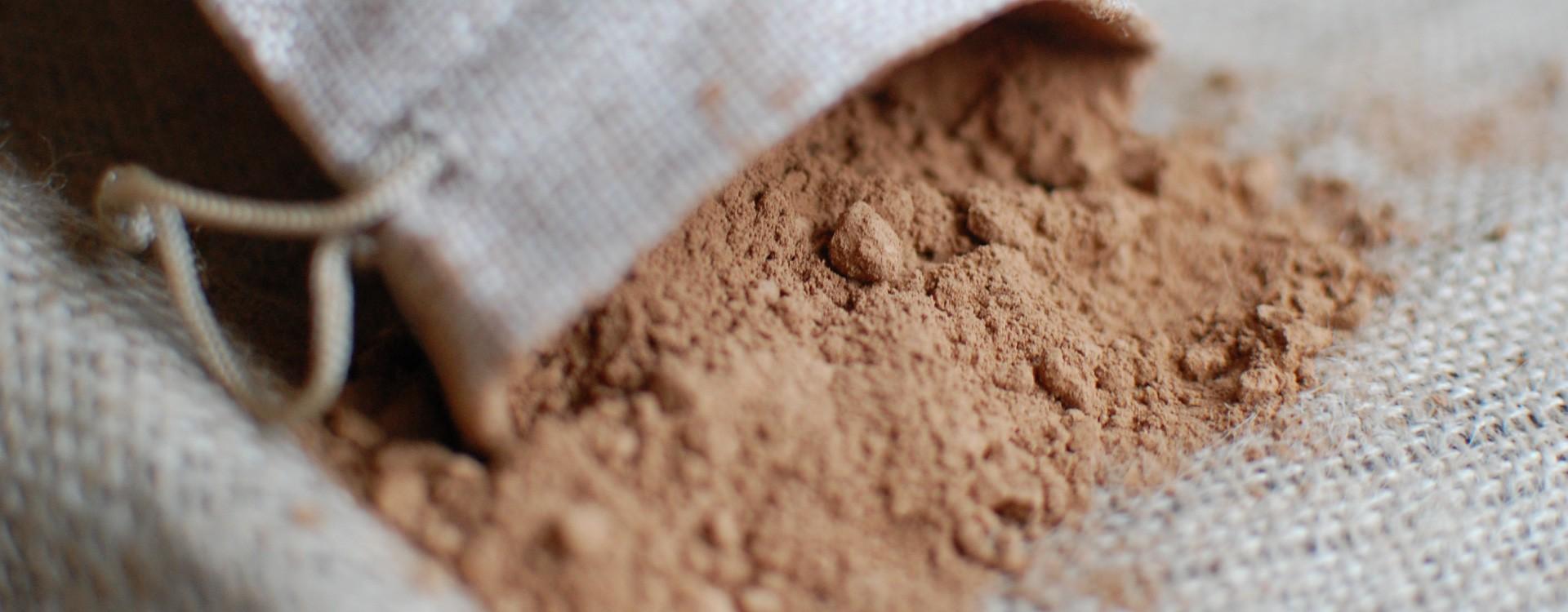 Co vlastně je a jak se vyrábí kakaový prášek